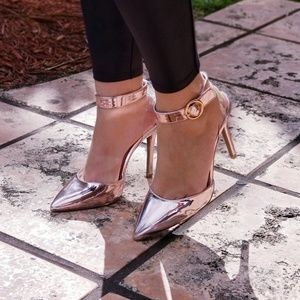 NEW PINK METALLIC ANKLE STRAP HEELS